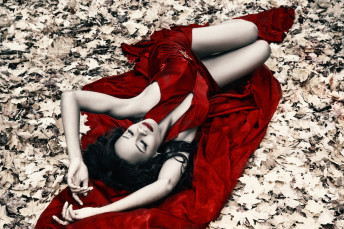 Katia Pershin Photography Portraits Forest Red
